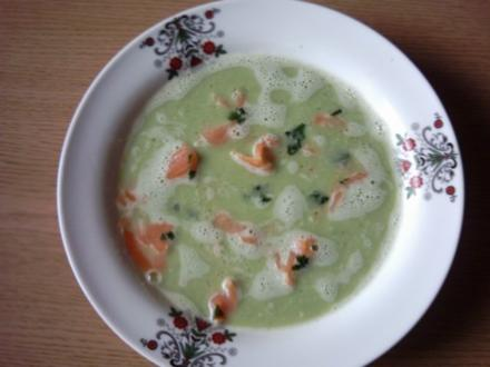 Broccolicremesuppe mit Räucherlachs - Rezept