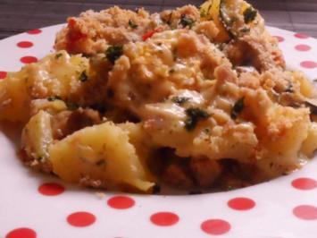 Aufläufe: Kartoffel-Zucchini-Auflauf mit Ei und Béchamel-Senf-Soße - Rezept