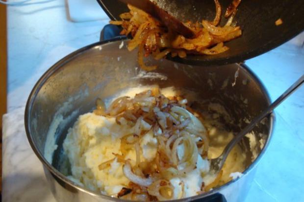 Lammfilet mit Zwiebel-Kartoffelpürrée und grünen Knoblauchböhnchen - Rezept - Bild Nr. 4