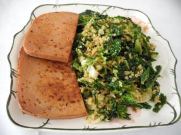 Vegan : Wirsing - Quinoa - Pfanne mit Soja - Leberkäse und gerösteten Cashewkernen - Rezept
