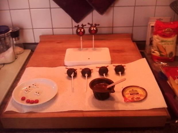 weihnachliche cake pops gebacken rezept. Black Bedroom Furniture Sets. Home Design Ideas