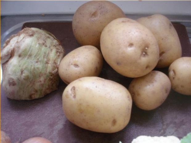 Hähnchennuggets mit Sellerie-Kartoffelstampf und Wok-Gemüse - Rezept - Bild Nr. 3