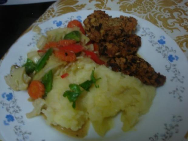 Hähnchennuggets mit Sellerie-Kartoffelstampf und Wok-Gemüse - Rezept - Bild Nr. 18