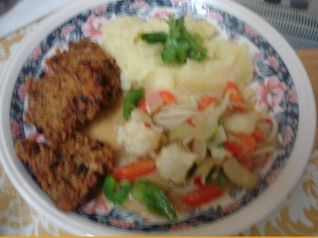 Hähnchennuggets mit Sellerie-Kartoffelstampf und Wok-Gemüse - Rezept - Bild Nr. 17
