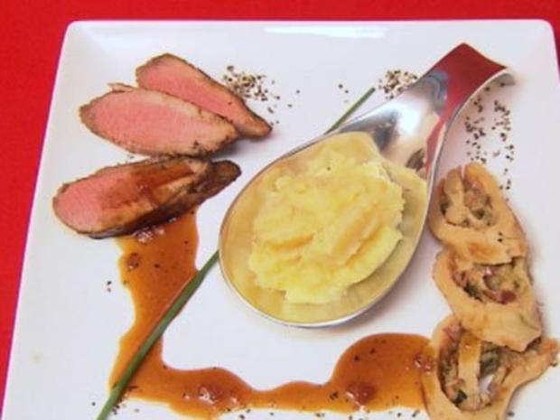 'Moorbraten' Filet vom Schwein in Dunkelbiersoße mit Wirsing und Roter Knolle - Rezept