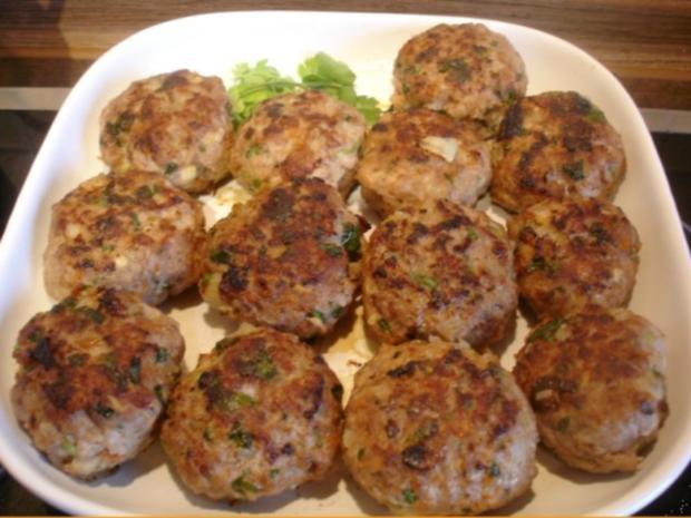 Korianderbuletten mit Sellerie-Kartoffelstampf und Erbsen mit Möhren - Rezept - Bild Nr. 10
