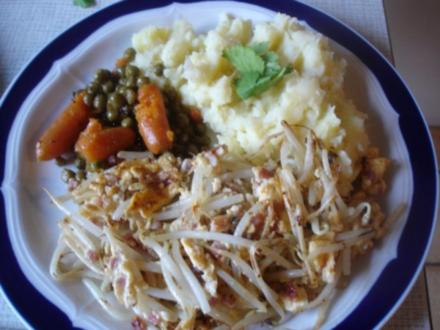 - Exotisches - Rührei mit Sellerie-Kartoffelstampf und Erbsen mit Möhren - Rezept