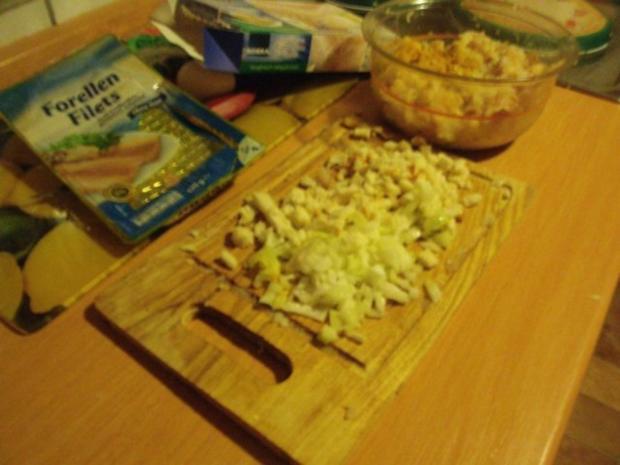 Fischfrikadellen mit Kartoffelsalat und Remouladensoße-unser Essen am Heiligen Abend - Rezept - Bild Nr. 4
