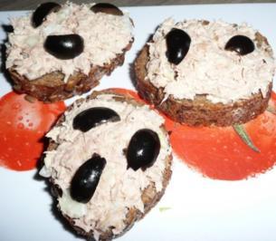 Tunfischsalat auf Vollkornschnittchen - Rezept