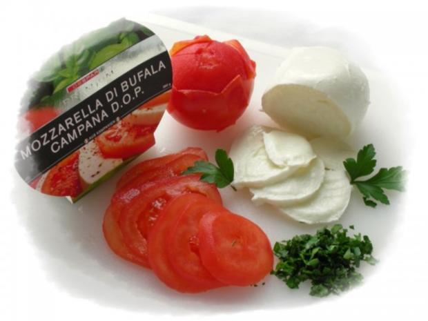Tomaten-Mozzarella- Terrine mit Prosciutto Crostini - Rezept - Bild Nr. 3