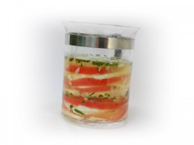 Tomaten-Mozzarella- Terrine mit Prosciutto Crostini - Rezept - Bild Nr. 8
