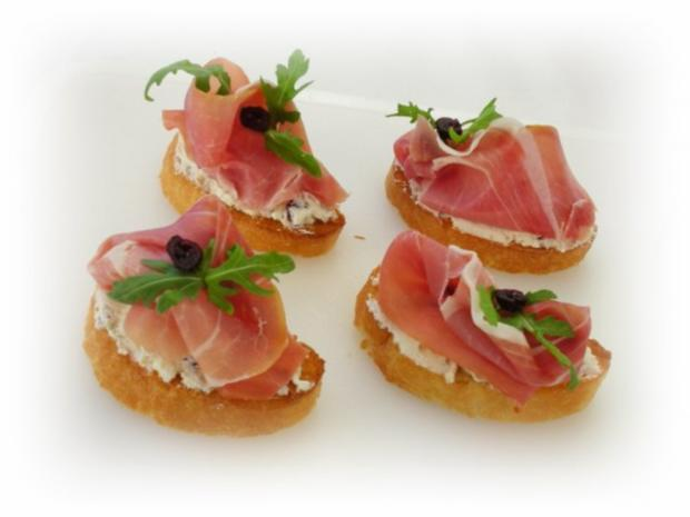 Tomaten-Mozzarella- Terrine mit Prosciutto Crostini - Rezept - Bild Nr. 14