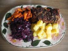 Vegan : Soja - Roulade mit Kartoffelwürfel und Apfelrotkohl - Rezept