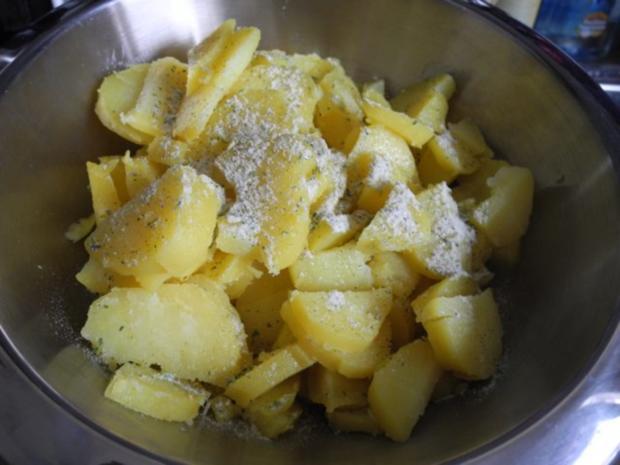Vegan : Warmen Kartoffelsalat mit Seitan - Zwiebel - Gyros und Apfel - Karotten - Salat - Rezept - Bild Nr. 6