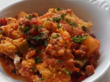 Aufläufe/Gratins: Pikanter Chili-Con-Carne-Auflauf mit Cheddar & Tortilla-Kruste - Rezept