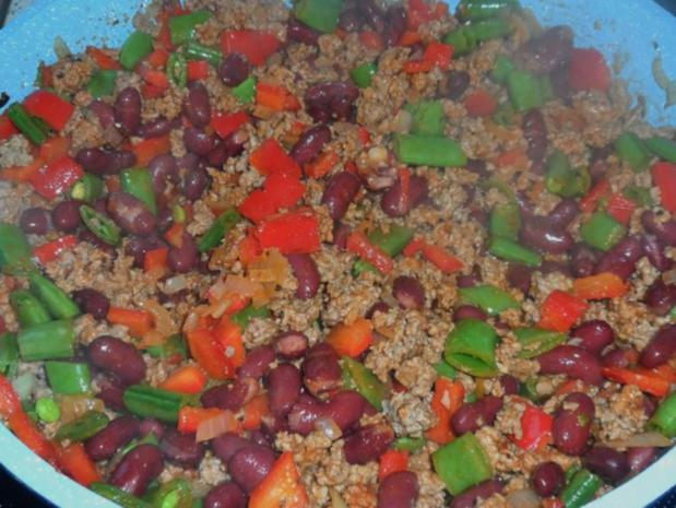 Aufläufe/Gratins: Pikanter Chili-Con-Carne-Auflauf mit Cheddar & Tortilla-Kruste - Rezept - Bild Nr. 7