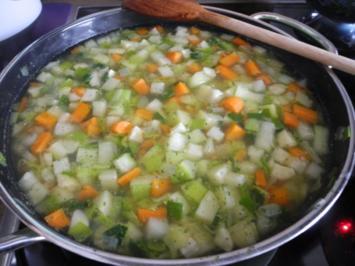 Rezept: Vegan : Heiße Suppe für kalte Tage - Vitaminbombe