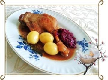 Rezept: ☆…alle Jahre wieder…☆…  Gänsekeulen, Rotkohl und Kartoffeln