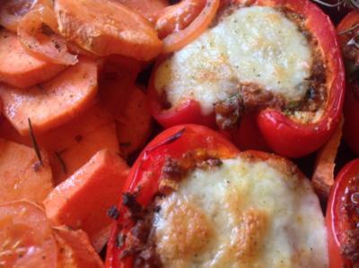Gefüllte Paprika mit Hackfleisch und Mozarella - Rezept