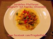 Feurige Sardellen-Pfefferoni  Spaghetti mit Paprika-Olivensoße - Rezept