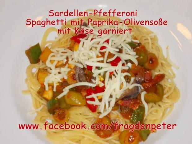 Feurige Sardellen-Pfefferoni  Spaghetti mit Paprika-Olivensoße - Rezept - Bild Nr. 3