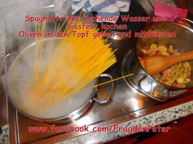 Feurige Sardellen-Pfefferoni  Spaghetti mit Paprika-Olivensoße - Rezept - Bild Nr. 8