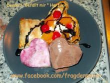 Blätterteig Dessert mit Eis und Früchten - Rezept