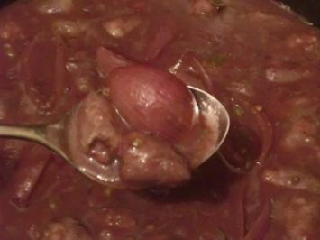 Hähnchenherzen mit Schalotten in Rotwein - Rezept