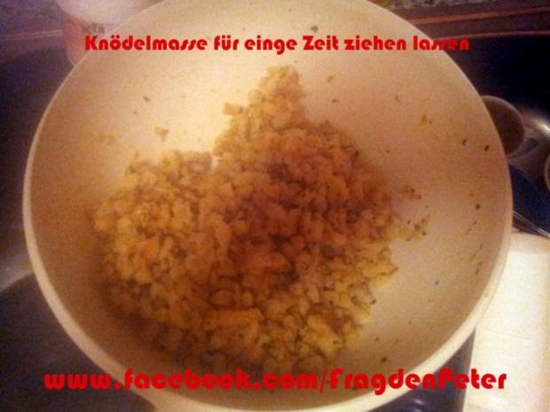 Serviettenknödel mit Champigon-Sahnesoße - Rezept - Bild Nr. 2