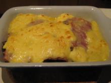 gratiniertes Hühnerbrustfilet mit Pilzen, Kochschinken und Sauce Hollandaise - Rezept