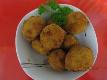 Fingerfood: Knusprig scharfe Kartoffelbällchen und Dipp - Rezept