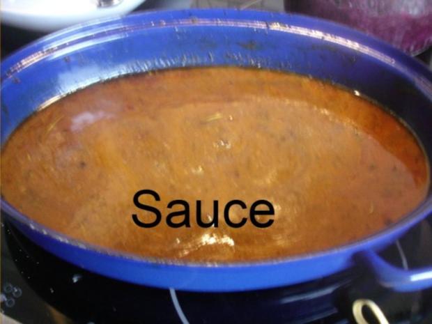 Knusprige Hähnchenschenkel mit Sauce, Gourmet-Rotkohl  und tschechischen Hefeknödeln - Rezept - Bild Nr. 8