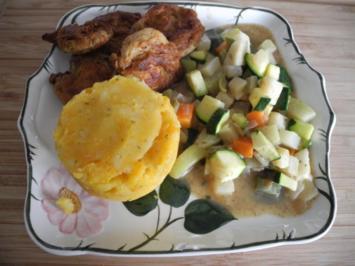 Vegan : Sojanuggets an Süßkartoffel - Kartoffelstampf mit buntem Gemüse - Rezept