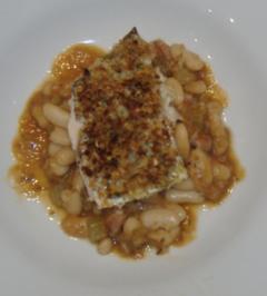Cassoulet mit weissen Bohnen und gratiniertem Seewolffilet - Rezept