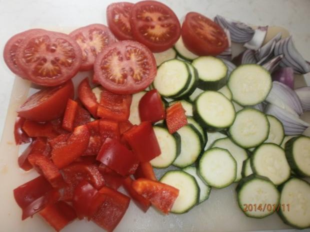 Ofengemüse mit Rote-Bete-Soße und grünem Chilliöl - Rezept - Bild Nr. 3