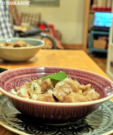 Kastanien-Gnocchi mit Salbei-Butter-Sauce - Rezept - Bild Nr. 17