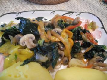 Vegan : Gemüse - Pfanne mit Pellkartoffeln - Rezept