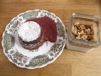 Panna Cotta croccante mit Torta al cioccolato morbide und Kirsch-Ingwer-Sößchen - Rezept