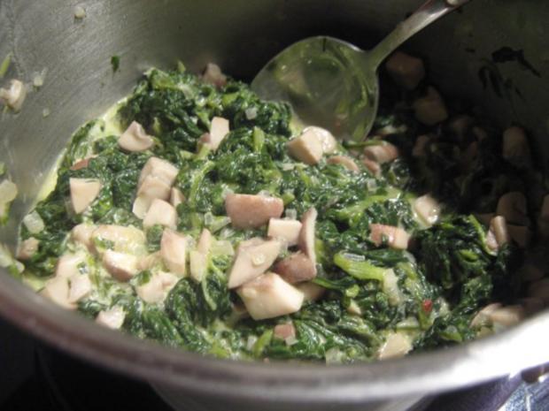 Scholle in Parmesan-Ei-Hülle gebraten auf Schaumweincreme-Spinat und Steinpilz-Risotto - Rezept - Bild Nr. 2