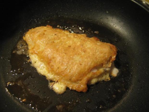 Scholle in Parmesan-Ei-Hülle gebraten auf Schaumweincreme-Spinat und Steinpilz-Risotto - Rezept - Bild Nr. 3