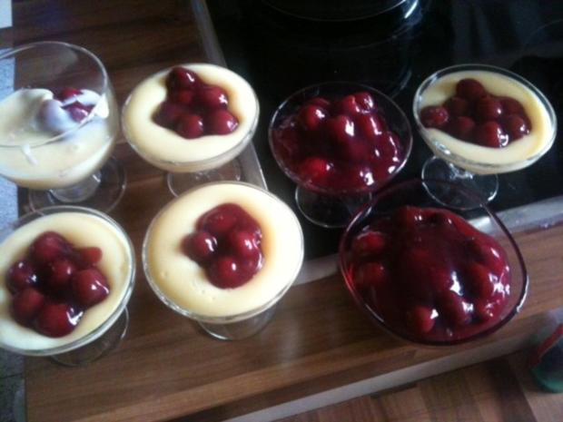 Vanillepudding mit heissen Kirschen - Rezept - Bild Nr. 2
