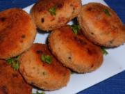 Fisch: Knusprige Lachsfrikadellen mit Speck - Rezept