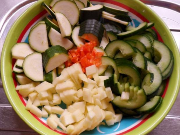 Beilagen: Süß-Saures Zucchini-Gurken-Gemüse - Rezept - Bild Nr. 2