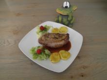 Gebratene Entenbrust mit Gnocchi, Spitzkohl und Himbeerkalbsjus - Rezept