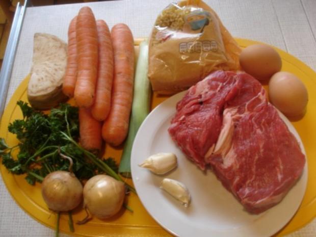 Rindfleischsuppe mit Möhrenblüten und Eierstich - Rezept - Bild Nr. 2