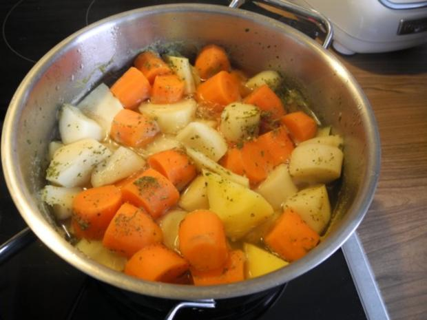 Vegan : Glasierte Zwiebelringe an Gemüsestampf - Rezept - Bild Nr. 4