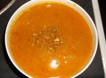 Rezept: Einfache sowie leckere Kürbis Suppe als Vorspeise oder Hauptgericht