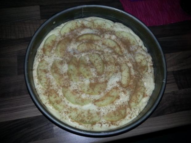 saftiger Apfel-Marzipan-Kuchen - Rezept