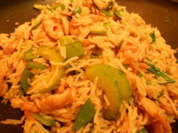 Gebratener Reis mit Hähnchenfleisch und Gemüse - Rezept