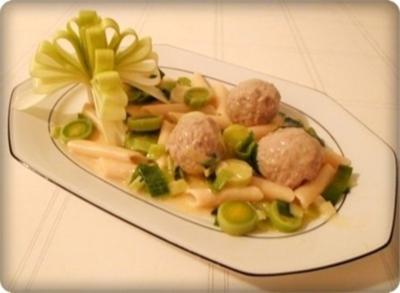 Lauch - Penne in Weißweinsauce und ♔Königsberger Klopse  dazu - Rezept